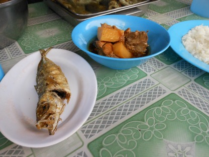Chicken adobo and fried fishies