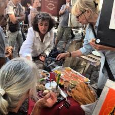 artists break for lunch in Montmartre