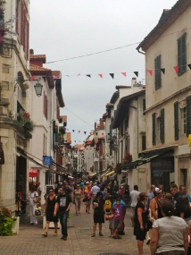 shopping streets through Saint Jean-de-Luz